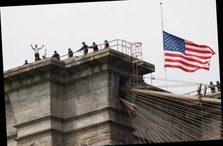 NYPD rescues suicidal man who scaled to top of Brooklyn Bridge