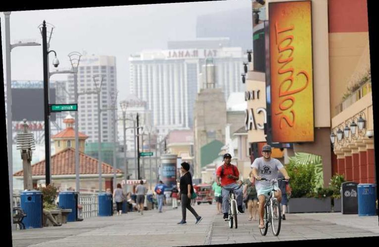 Atlantic City Allows Drinking on the Boardwalk to Boost Business and Tourism