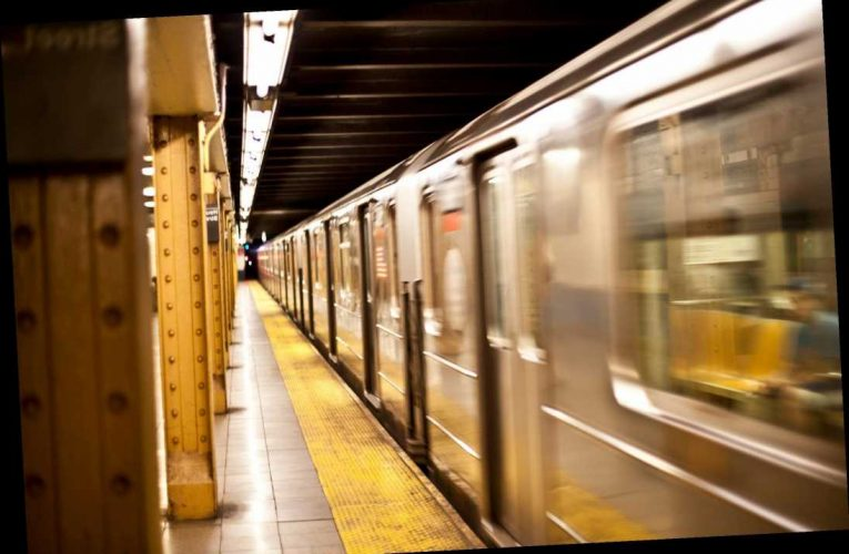 Bronx man charged with assault after 2 men stabbed in NYC subway incident: police