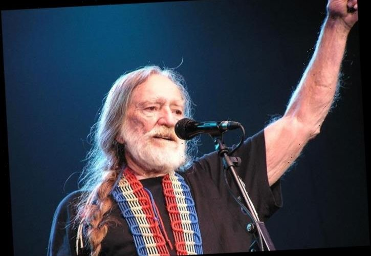 Willie Nelson Reveals Kenny Rogers Wanted Him To Record 'The Gambler'