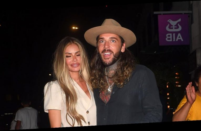 TOWIE stars Chloe Sims and Pete Wicks put on a very cosy display as they hit the town
