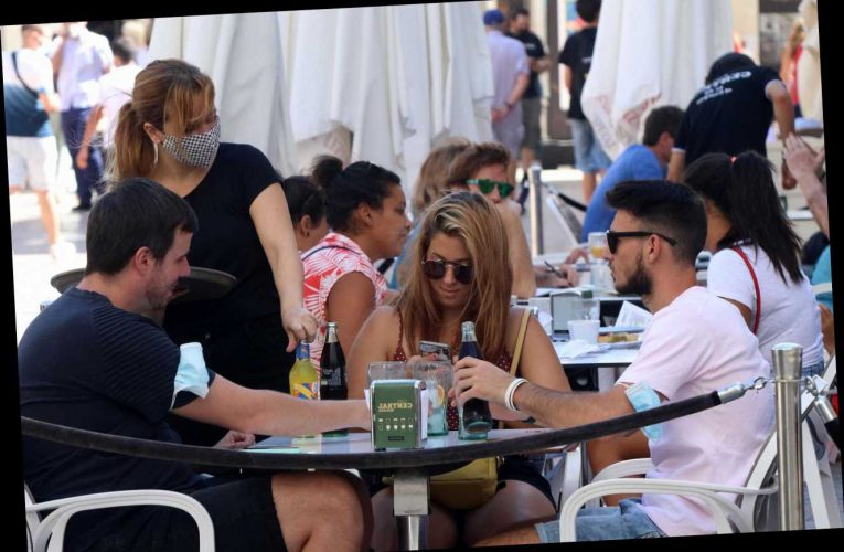 Costa del Sol follows Greece with nightlife curfew – forcing restaurants & bars to close and 1am to curb coronavirus