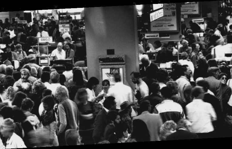 From the Archives, 1989: Chaos as Australia's domestic pilots resign en masse