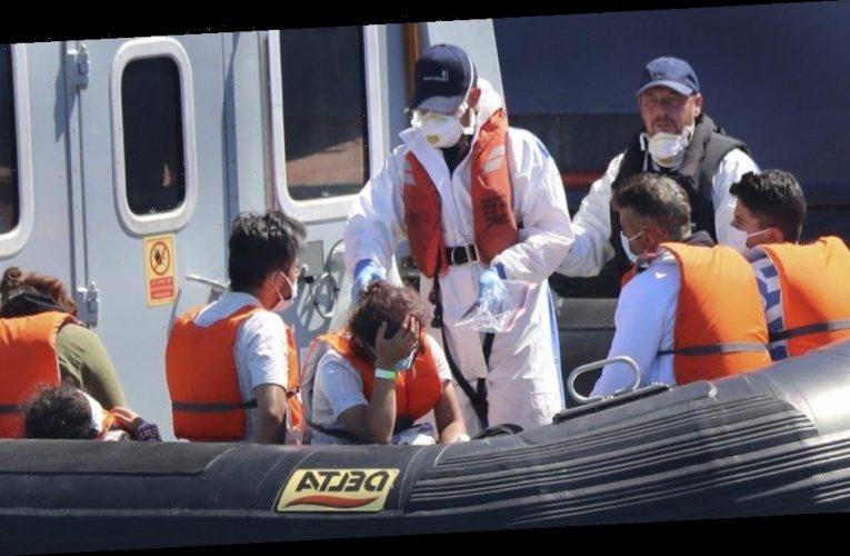 Britain faces record migrant influx via English Channel, demands France crack down