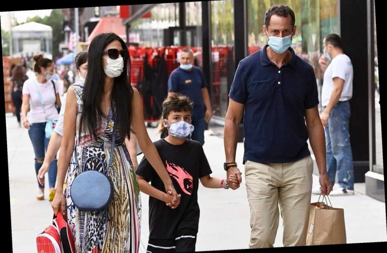 Anthony Weiner, Huma Abedin spotted together in NYC with son