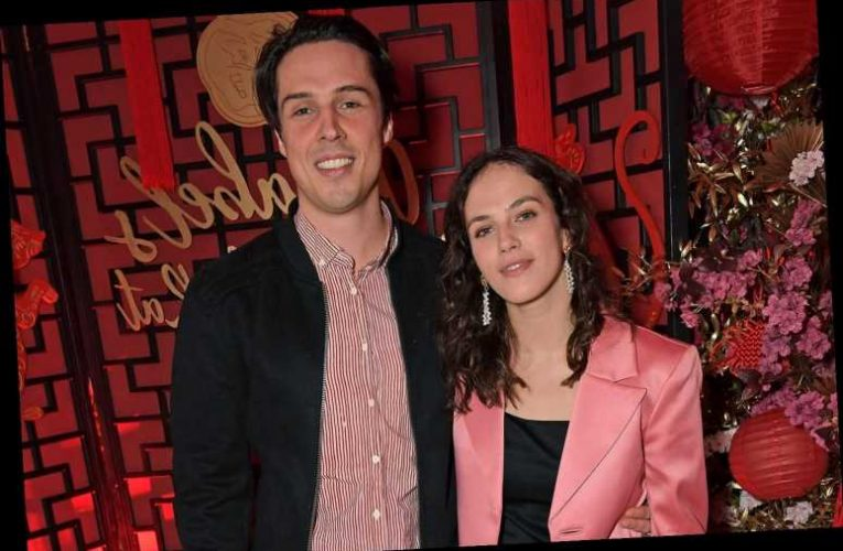 Downton Abbey's Jessica Brown Findlay Marries Her Harlots Costar Ziggy Heath
