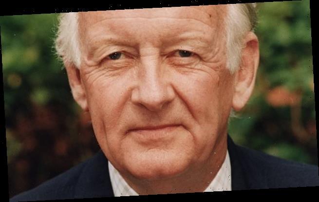 Former Grandstand host Frank Bough dies aged 87