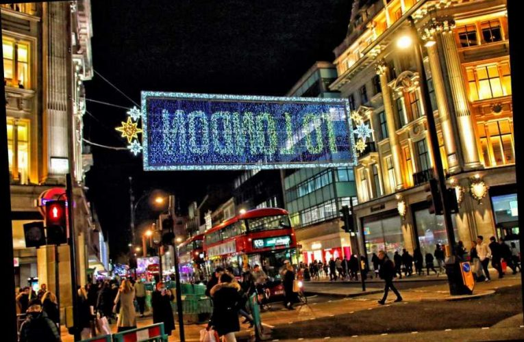 Government urged to overhaul Sunday trading laws to boost Christmas shopping