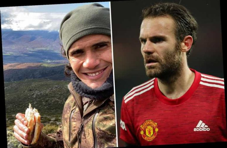 Juan Mata reveals umbrella trick that he has taught Manchester United team-mate Edinson Cavani to cope with city's rain