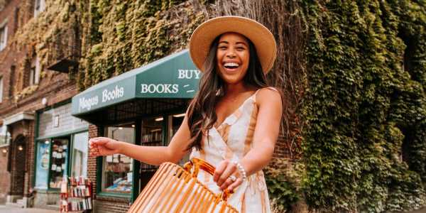 An Instagram influencer with about 40,000 followers explains how much money she makes and the email template she uses to turn gifting offers into paying deals