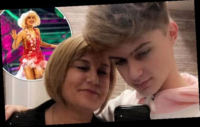 HRVY's mum gives Maisie Smith her blessing following romance rumours