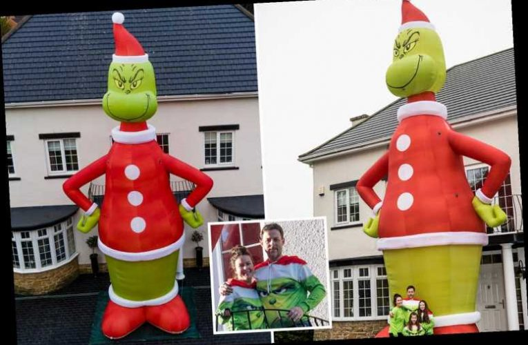Thousands flock to see 35ft blow-up Grinch Christmas decoration