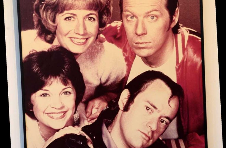 Hollywood pays tribute to 'Laverne & Shirley' star David Lander: 'RIP Squiggy'