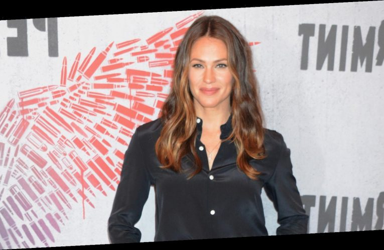 People Are Torn Over The Jennifer Garner Movie That's Topping The Netflix Charts
