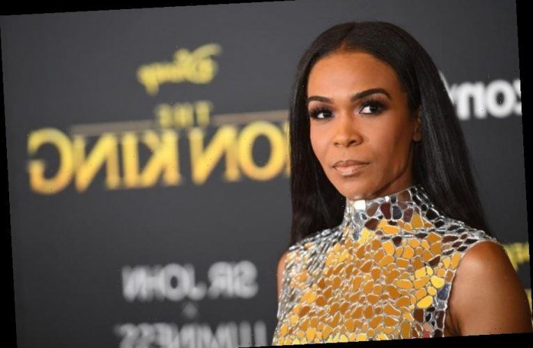Singer Michelle Williams Reveals Her Father Has Passed Away