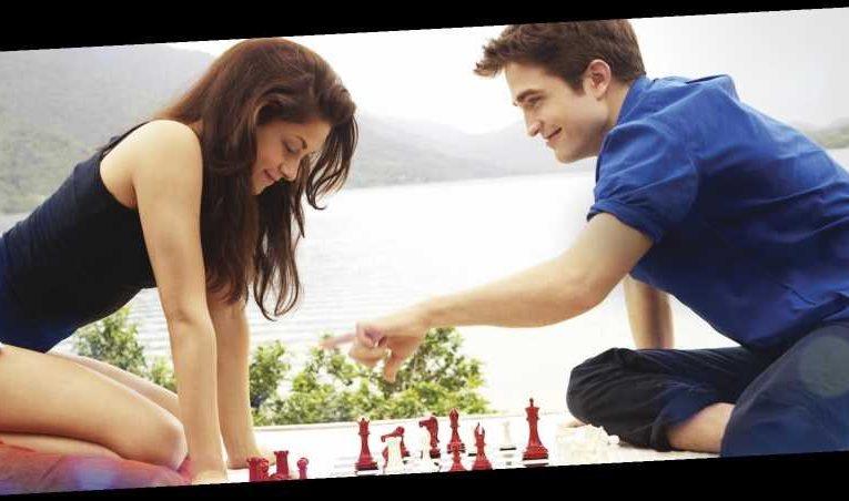 Kristen Stewart and Robert Pattinson Laughed Through Their Sex Scenes While Filming 'The Twilight Saga: Breaking Dawn'