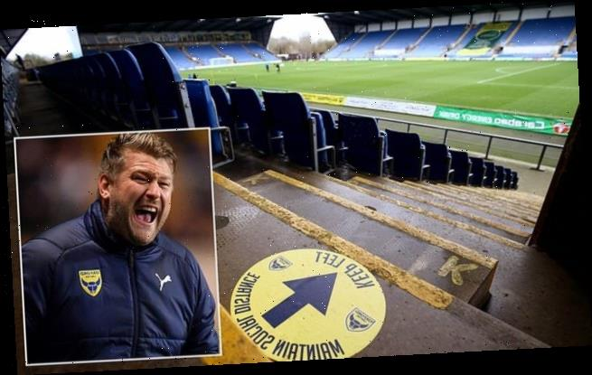 Oxford United suspend two players 'for going to New Year's Eve party'