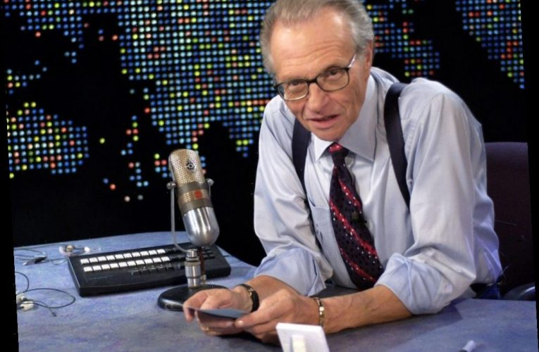 Larry King's Favorite Impression of Himself Was on 'Saturday Night Live'