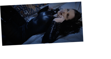 'PVT Chat' Review: Julia Fox Is a Dominatrix in Distress in Scuzzy New York Neo-Noir