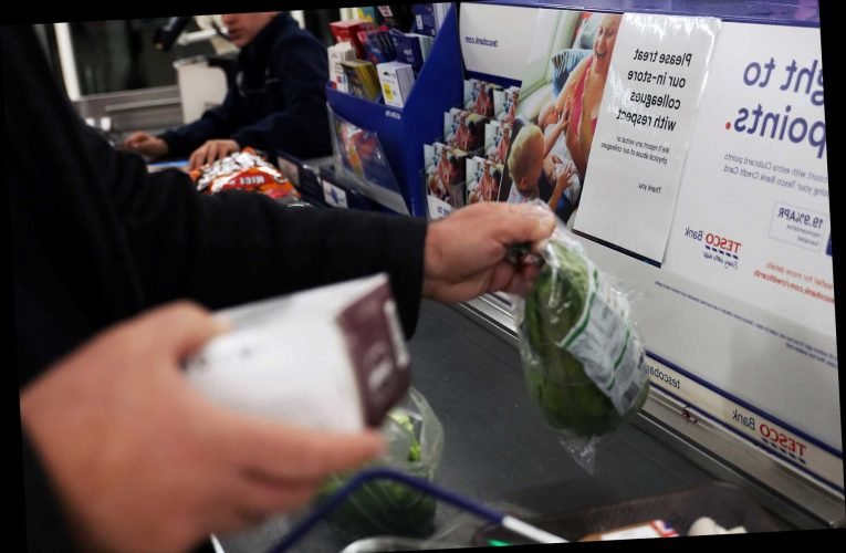 """Tesco shoppers need to check bank statements after thousands charged TWICE for shopping due to """"payment glitch"""""""