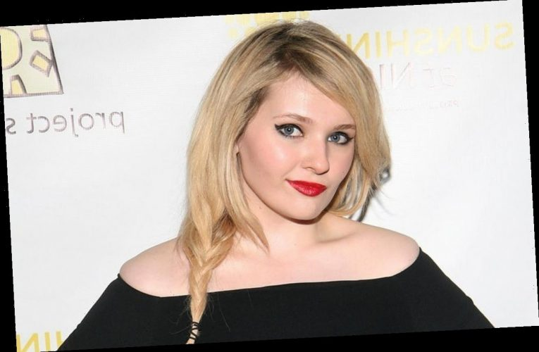 Abigail Breslin's Father Dies After Being Hospitalized With Covid-19 for Over Two Weeks