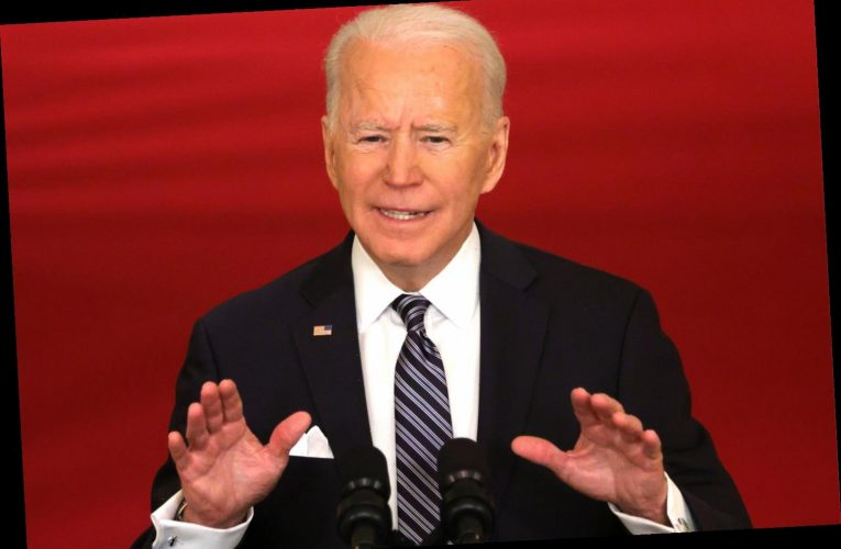 Does Joe Biden wear a wedding ring?