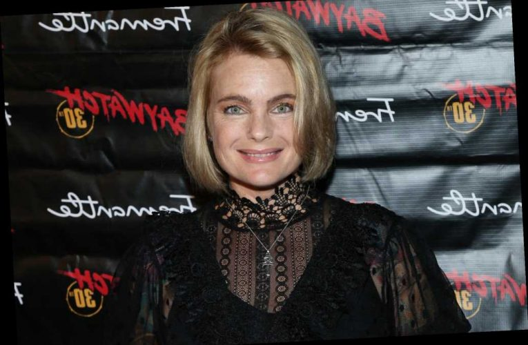 'Baywatch' star Erika Eleniak on letting 'fat issues' go