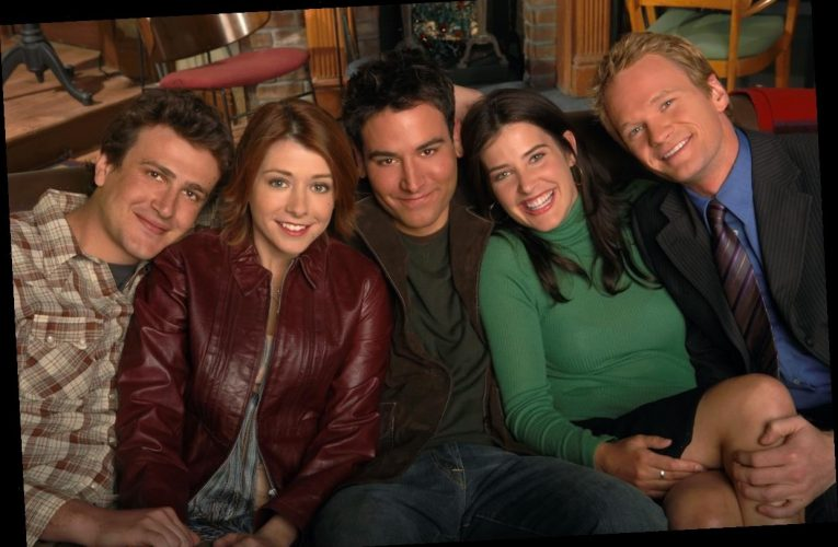 'How I Met Your Mother' Once Hilariously Confronted 'Friends'