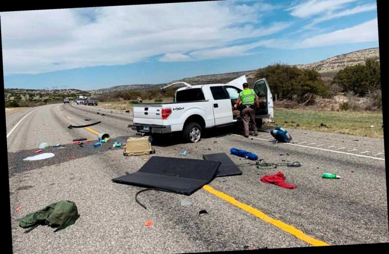 8 illegal immigrants killed in high-speed crash near Mexican border