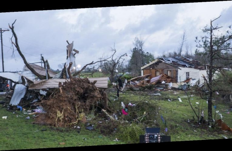 """""""Significanttornadoes"""" possible in Southeast after storms leave trail of damage in Deep South"""