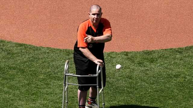 Bryan Stow throws out first pitch at Giants' home opener 10 years after vicious beating