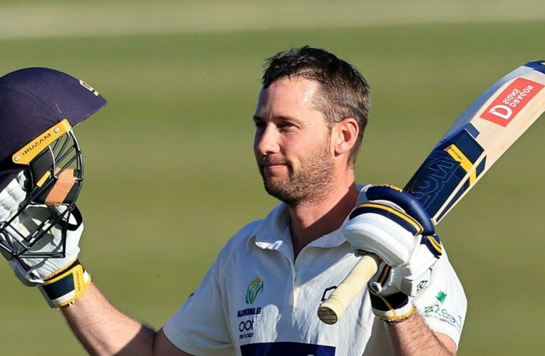 Chris Cooke century puts Glamorgan on top against Northants in County Championship