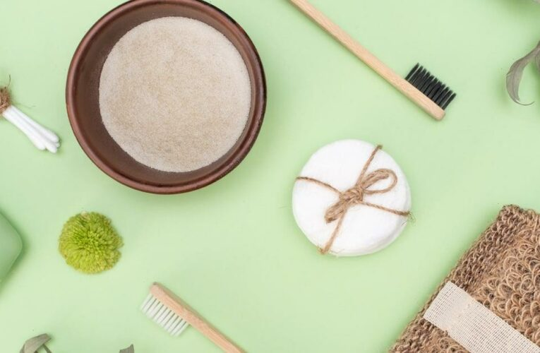 """What Does """"Zero-Waste"""" Beauty Really Mean? Here's What You Need to Know"""