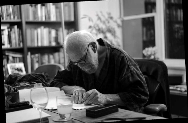 'Oliver Sacks: His Own Life' Review: A Calm Celebration of the Beloved Science Writer and His Many Chapters