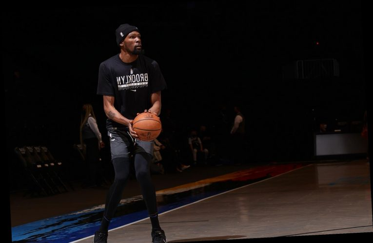 Kevin Durant offers short apology for foul-mouthed DMs ahead of return