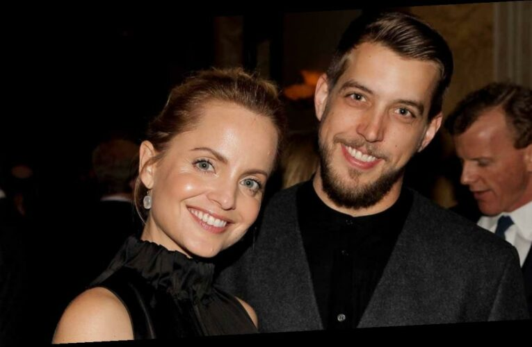 Mena Suvari Gives Birth to First Child With Husband Michael Hope