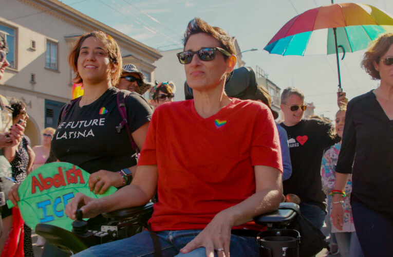 'Ahead of the Curve' Review: The Business of Lesbian Identity