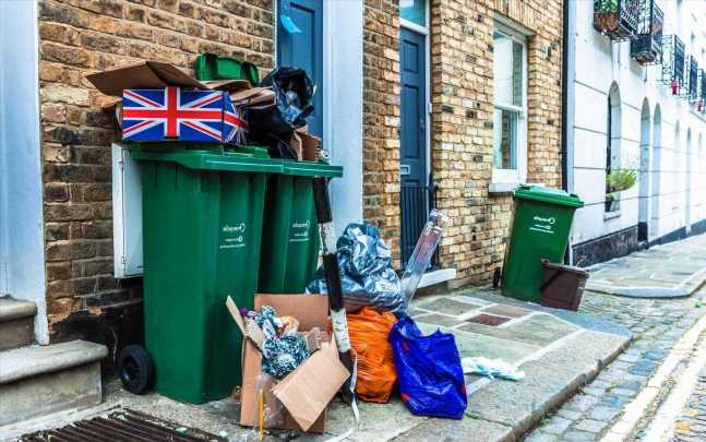 Brits putting out bins will help UK get to Net Zero as army of collectors go green