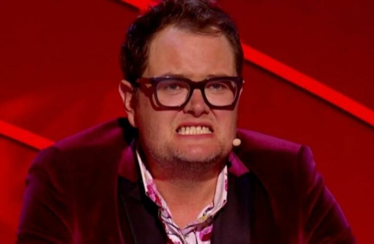 Epic Gameshow fans frustrated as they beg Alan Carr to say iconic catchphrase