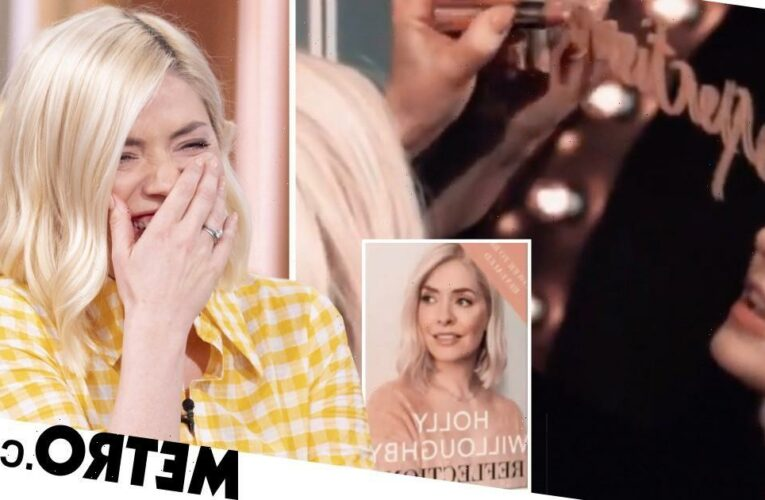Holly Willoughby jokes about 'reflections' after bathtub 'nude' photo