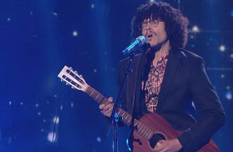 Murphy Returns to 'American Idol' for Touching Finale Performance