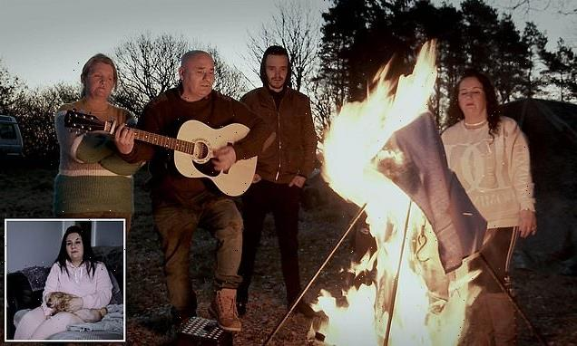 Travellers pay respects to their parents by burning their possessions