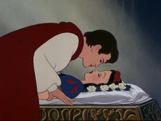 What happens in Snow White original story – including the kiss scene?