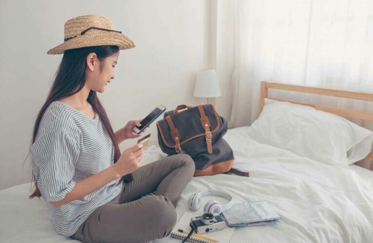 How to find the best travel credit cards to use abroad