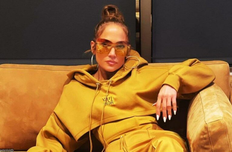 Jennifer Lopez Signs Multi-Year First-Look Deal With Netflix