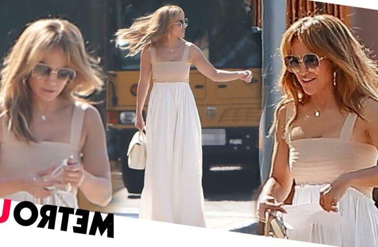 Jennifer Lopez is a glamorous mum on school run amid Bennifer reunion