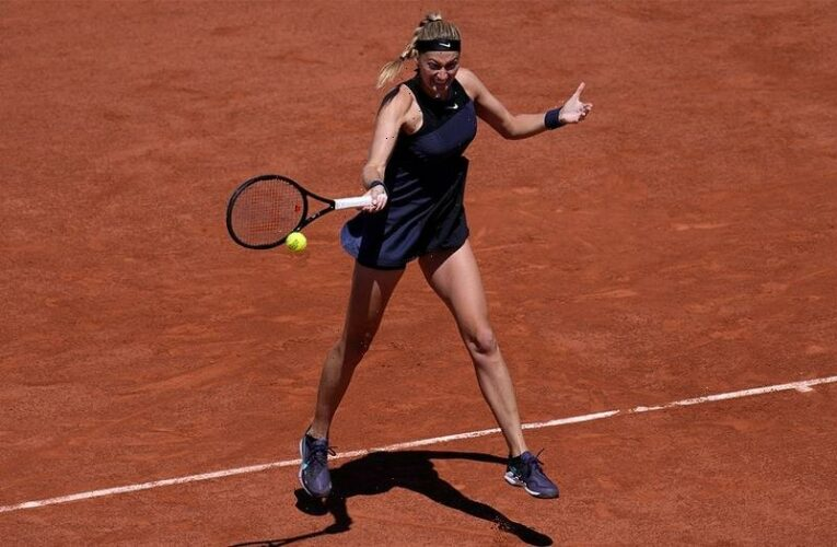 Petra Kvitova withdraws from French Open after sustaining ankle injury during 'post-match press requirements'