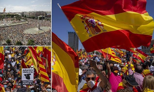 Thousands protest in Madrid over plans to pardon Catalan separatists