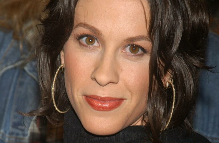 What You Didn't Know About Alanis Morissette