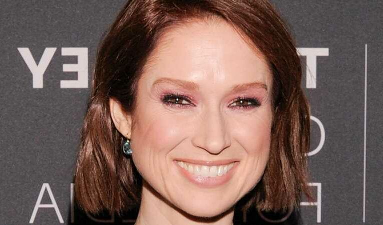 Why Ellie Kemper's Unearthed Photo Is Raising Eyebrows
